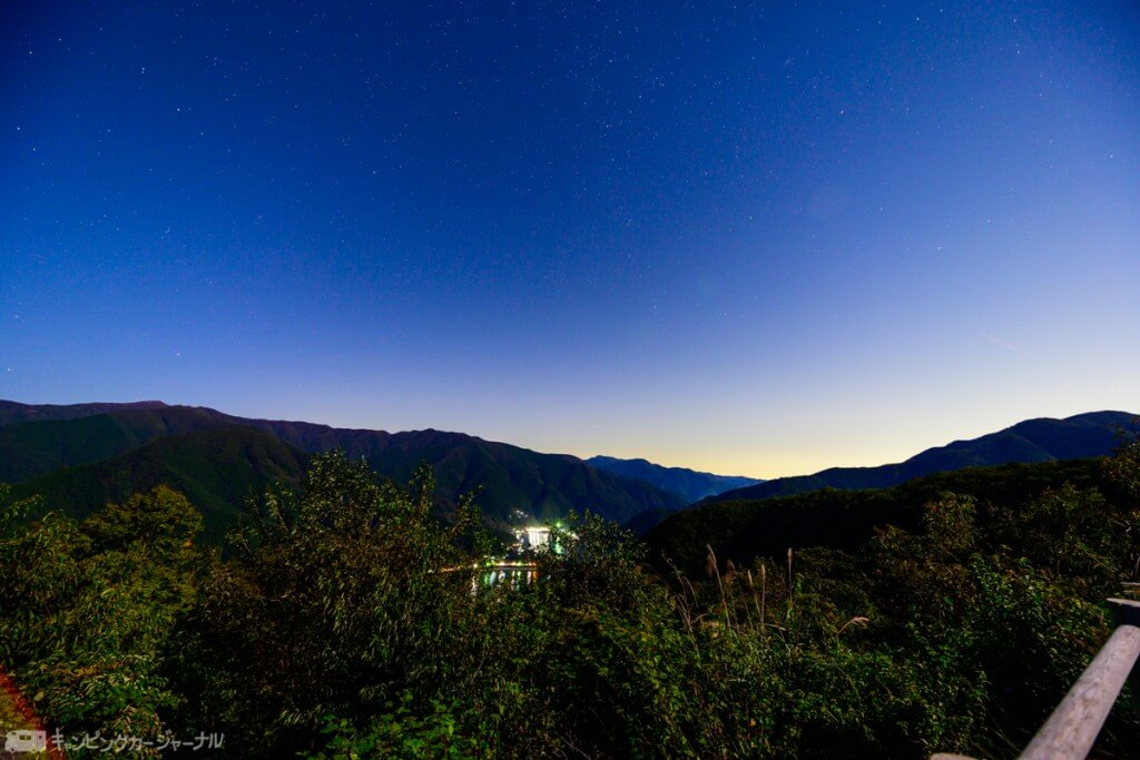 月夜見第一駐車場からの奥多摩湖