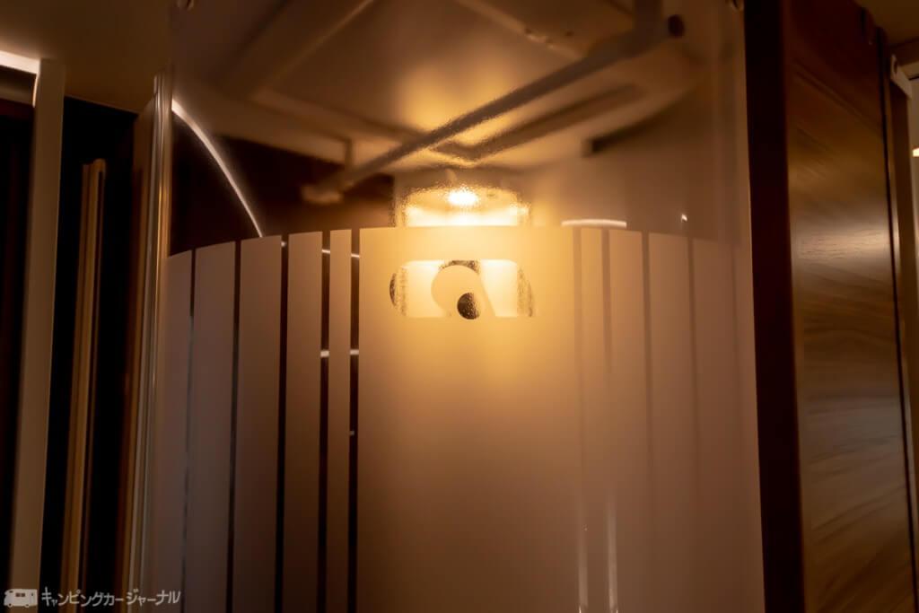 おしゃれなシャワールームのドア