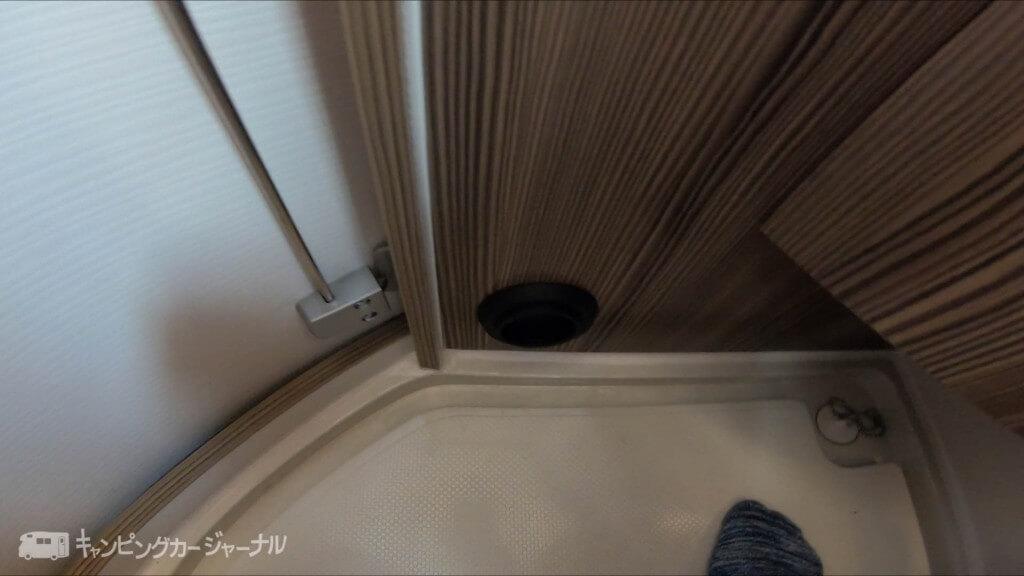 バンテックZiLトイレ&シャワールームFFヒーター