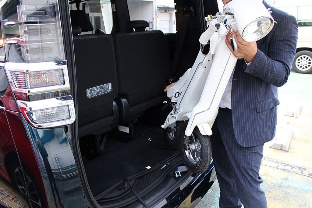 BLAZE 電動バイク 折りたたみ型 (ナンバー取得付き) ホワイト SMART EV 車内積込み可能 12インチ 重量約18kg 脱着式バッテリー