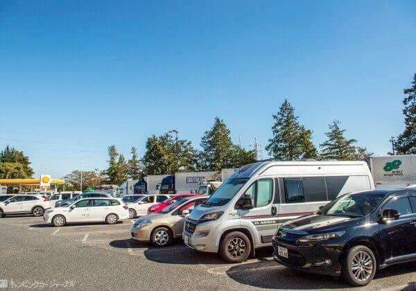 蓮田SA 駐車場