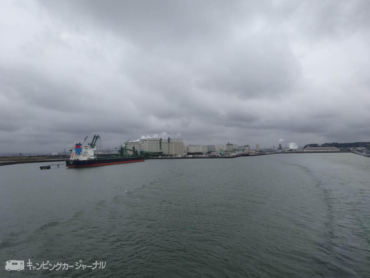 シルバーフェリーの出港