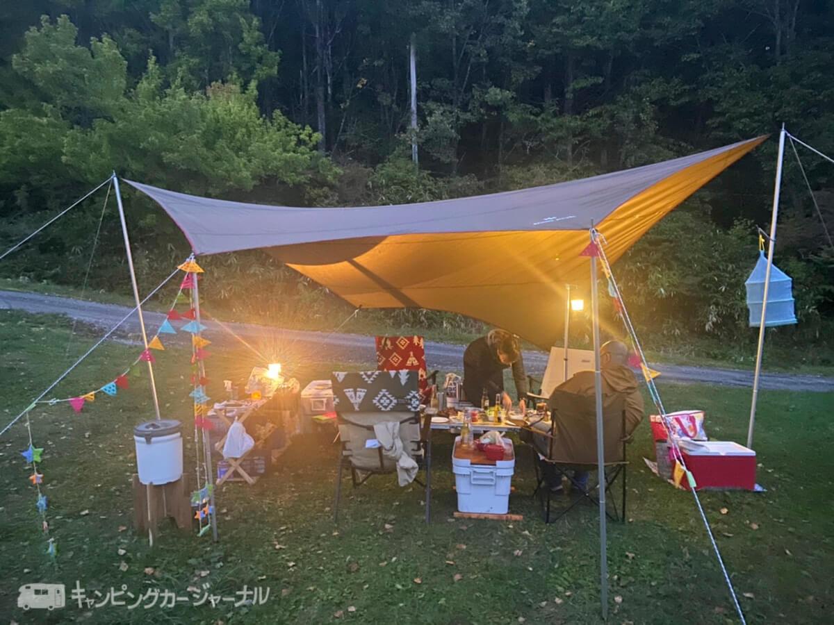 ご飯は友人のキャンプサイトで