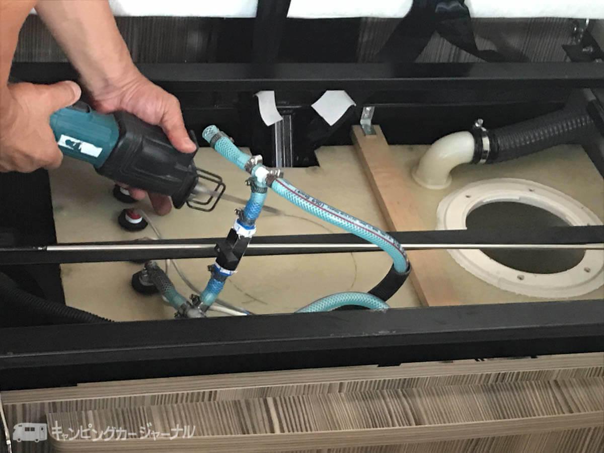 バンテックZiL生活水タンクの穴を開ける